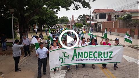 Alcaldes-y-concejales-de-26-municipios-marchan-hacia-la-Gobernacion