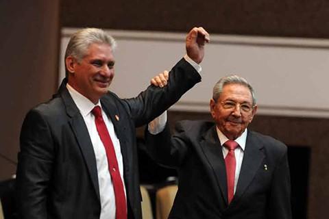Diaz-Canel-dice-que-la-revolucion-cubana-sigue-y-seguira-viva