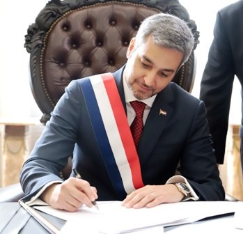 Asume-el-nuevo-presidente-de-Paraguay-