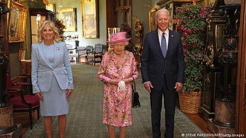 Isabel-II-recibio-a-Joe-Biden-en-el-castillo-de-Windsor