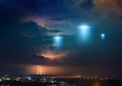 Un-renombrado-cientifico-advierte-que-el-esperado-contacto-con-extraterrestres-podria-poner-fin-a-la-vida-en-la-Tierra
