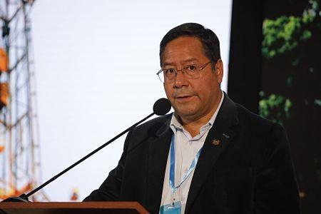 Arce-anuncia-que-Peru-se-interesa-en-el-gas-boliviano