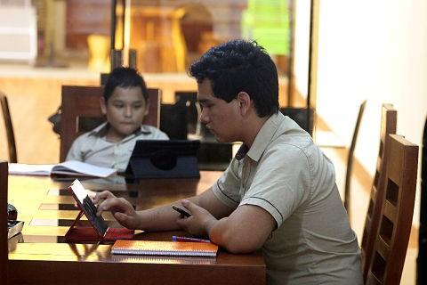 Mas-de-2,2-millones-de-alumnos-pasan-clases-a-distancia-en-el-pais