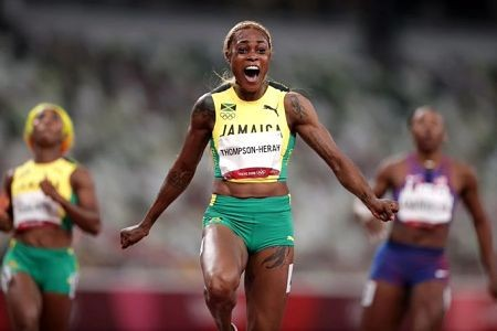 La-jamaiquina-Thompson-Herah-gano-el-oro-con-record-mundial-en-los-100-metros-llanos